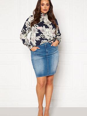 Kjolar - Only Carmakoma Lalola Life Skirt Medium Blue Denim