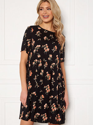 Pieces Trina SS Dress Black Flower