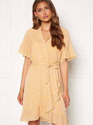 Sisters Point New Greto Dress 602 L.Yellow/Rose Fl