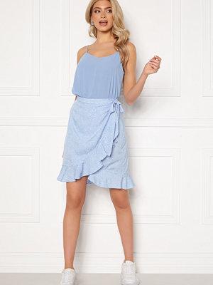 Kjolar - Vero Moda Henna Wrap Short Skirt Placid Blue / Dots