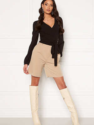 Only Ivy Tailored Long Shorts Silver Lining