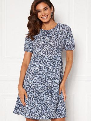 Only Pella 3/4 Open Back Dress Vintage Indigo/AOP