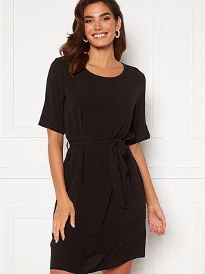 Jacqueline de Yong Amanda 2/4 Belt Dress Black