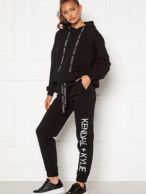 Kendall + Kylie svarta byxor K&K Active Classic Sweat Pants Black