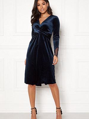 Happy Holly Leonora velvet dress Dark blue
