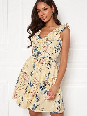 Chiara Forthi Pernille flounce dress Cream / Floral