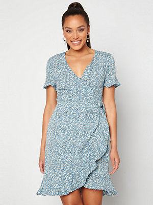 Only Olivia S/S Wrap Dress Dusk Blue / Flower