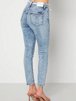 Calvin Klein Jeans High Rise Skinny Ankle 1AA Denim Light