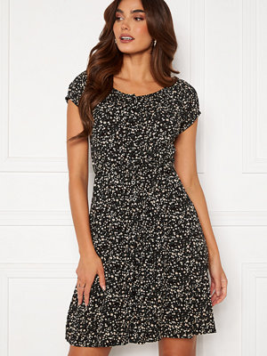 Happy Holly Rebecca flounce dress Black / Patterned
