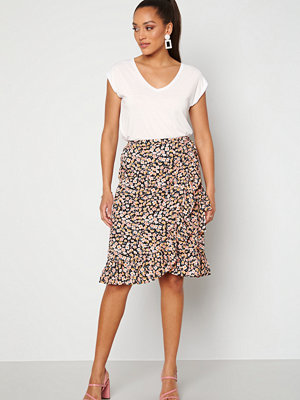 Only Fuchsia Wrap Skirt Black