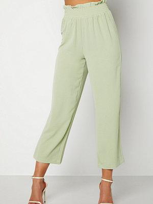 Bubbleroom omönstrade byxor Matilde trousers Dusty green