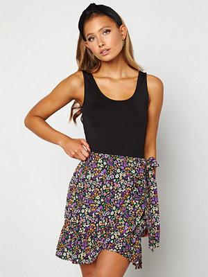 Only Olivia Wrap Skirt Black / Shore Flower