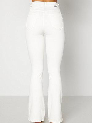 Jeans - Dr. Denim Moxy Flare Off White