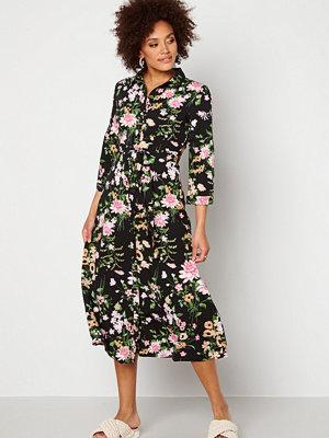 Pieces April 3/4 Ankle Dress Black AOP Flower