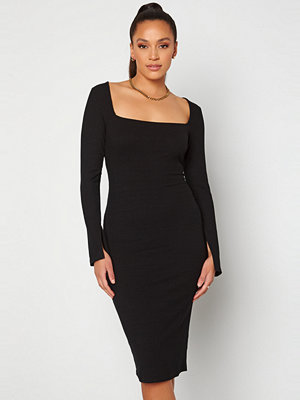 Alexandra Nilsson X Bubbleroom Squareneck Midi Dress Black
