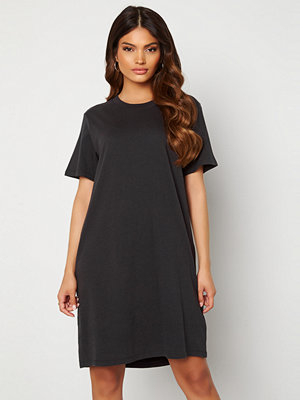 Levi's NG Elle Tee Dress 0000 Obsidian