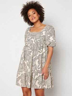 Object Collectors Item Adilla 2/4 Dress Sandshell AOP