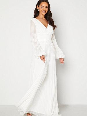 Goddiva Pleated Balloon Sleeve Maxi Dress White White