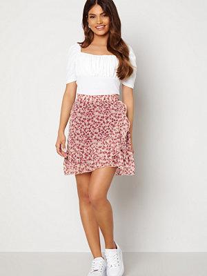 Kjolar - Jacqueline de Yong Jennifer Life Mini Skirt Cloud Dancer/ Flower