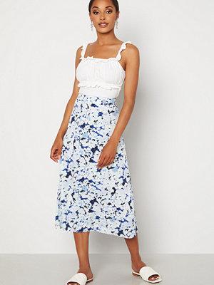 Pieces Tina MW Midi Skirt Vista Blue AOP Flowe