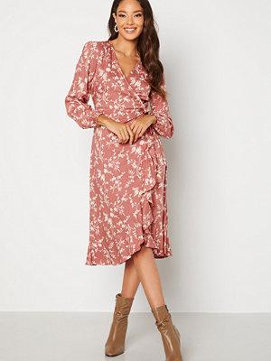 Bubbleroom Milia wrap dress Dusty pink / Floral