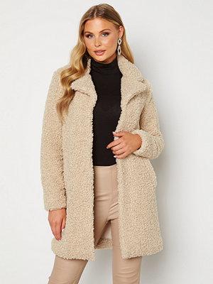 Happy Holly Nicole teddy coat Light beige
