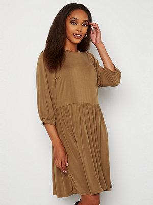 Object Jannie 3/4 Dress Sepia
