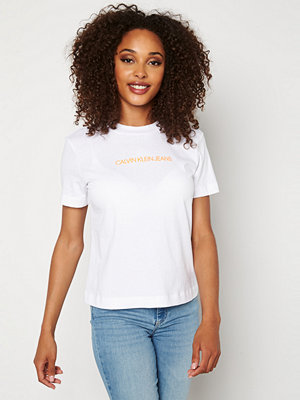 Toppar - Calvin Klein Jeans Shrunken Institutional T YAF Bright White