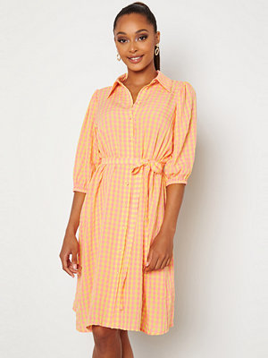 Sisters Point Vibby Dress 841 L. Pink/Banana