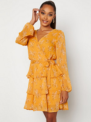 Sisters Point Nappa Dress 601 Yellow/Flower