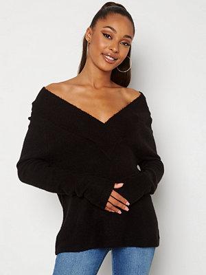 Vila Madelia V-Neck L/S Knit Top Black