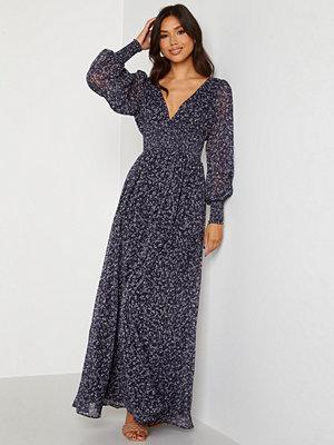 Festklänningar - Goddiva Ditsy Long Sleeve Shirred Maxi Dress Navy