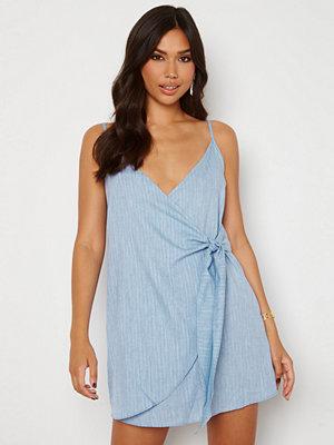 Trendyol Short Wrap Dress Blue