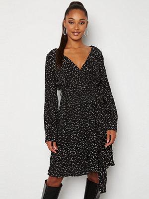 Sisters Point New Gerdo Dress 003 Black/Cream