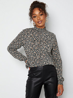 Only Pella L/S Top Black Floral Ditsy