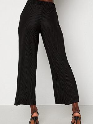 Bubbleroom byxor Lola pleated cropped trousers Black
