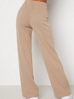 Bubbleroom omönstrade byxor Zilla fine knitted trousers Beige melange