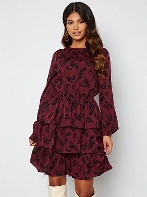 Happy Holly Astrid Flounce Dress Wine-red