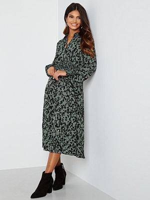 Vero Moda Saga Smock Calf Dress Laurel Wreath AOP Fe
