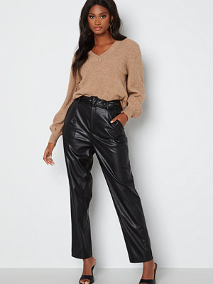 Only svarta byxor Lucy Faux Leather Pant Black