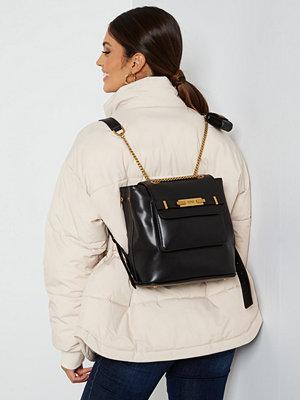 Guess omönstrad ryggsäck Bea Backpack BLA Black