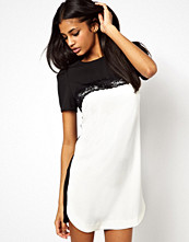 Paper Dolls Colour Block Shift Dress with Lace Trim