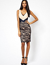 Klänningar - Hybrid Pencil Dress with Plunge Neck and Lace Skirt