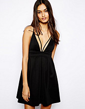 Klänningar - Oh My Love Plunge Neck Skater Dress