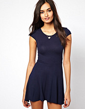 Klänningar - Club L Jersey Skater Dress with Cap Sleeves