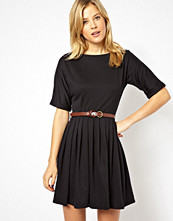 Klänningar - ASOS Skater Dress With Full Skirt And Belt