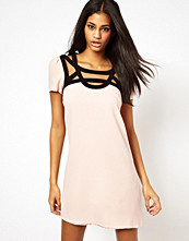 Paper Dolls Shift Dress with Contrast Trim and Cut Out