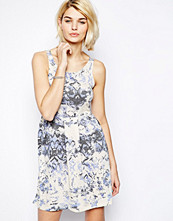 Klänningar - Vila Sleeveless Printed Dress