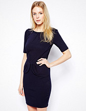 Klänningar - Sugarhill Boutique Be Mine Jersey Dress With Bow Back