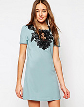 Paper Dolls Paperdolls Shift Dress with Exposed Lace Panel